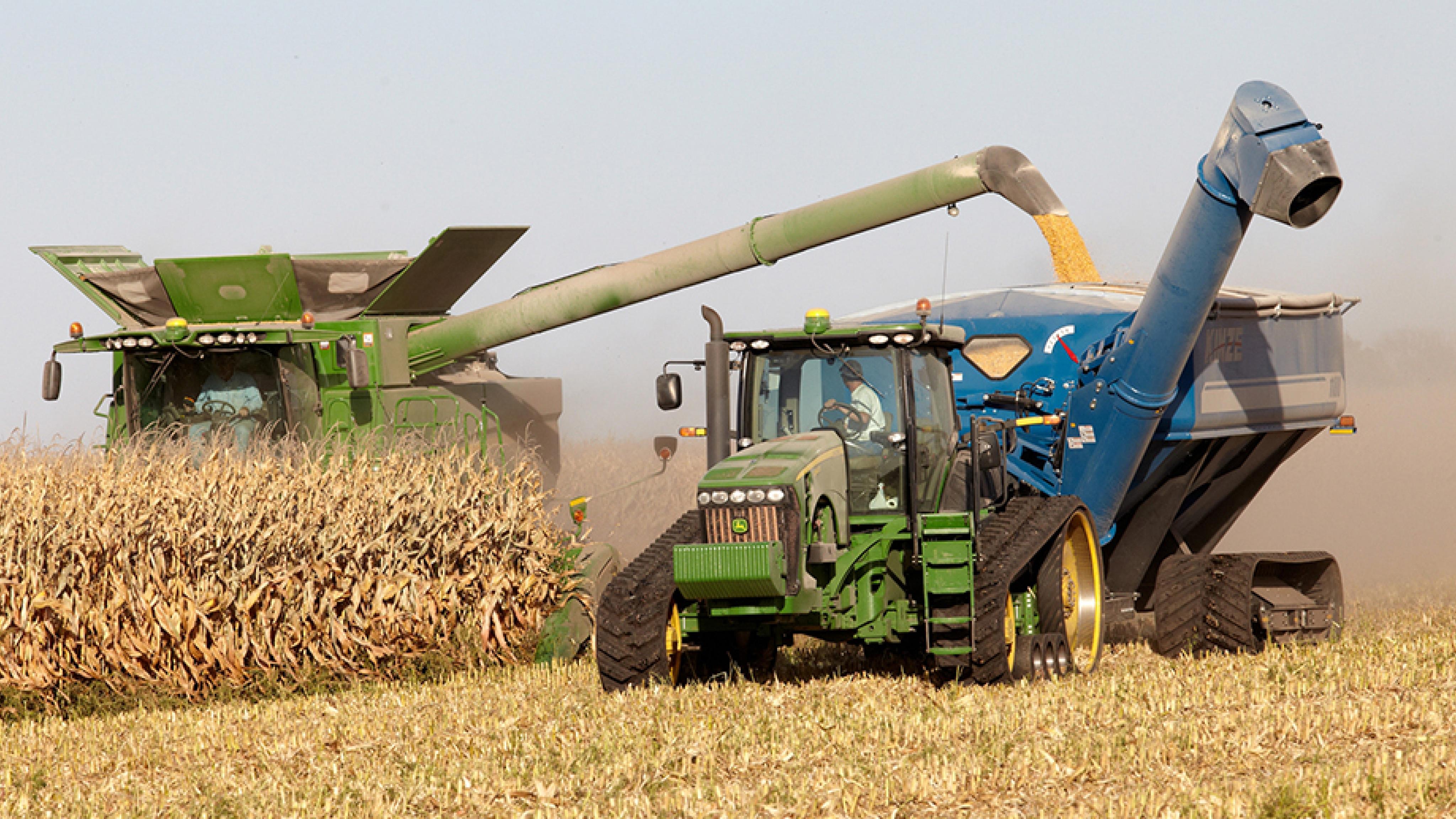 Kinze Grain Cart | ROBRADY design